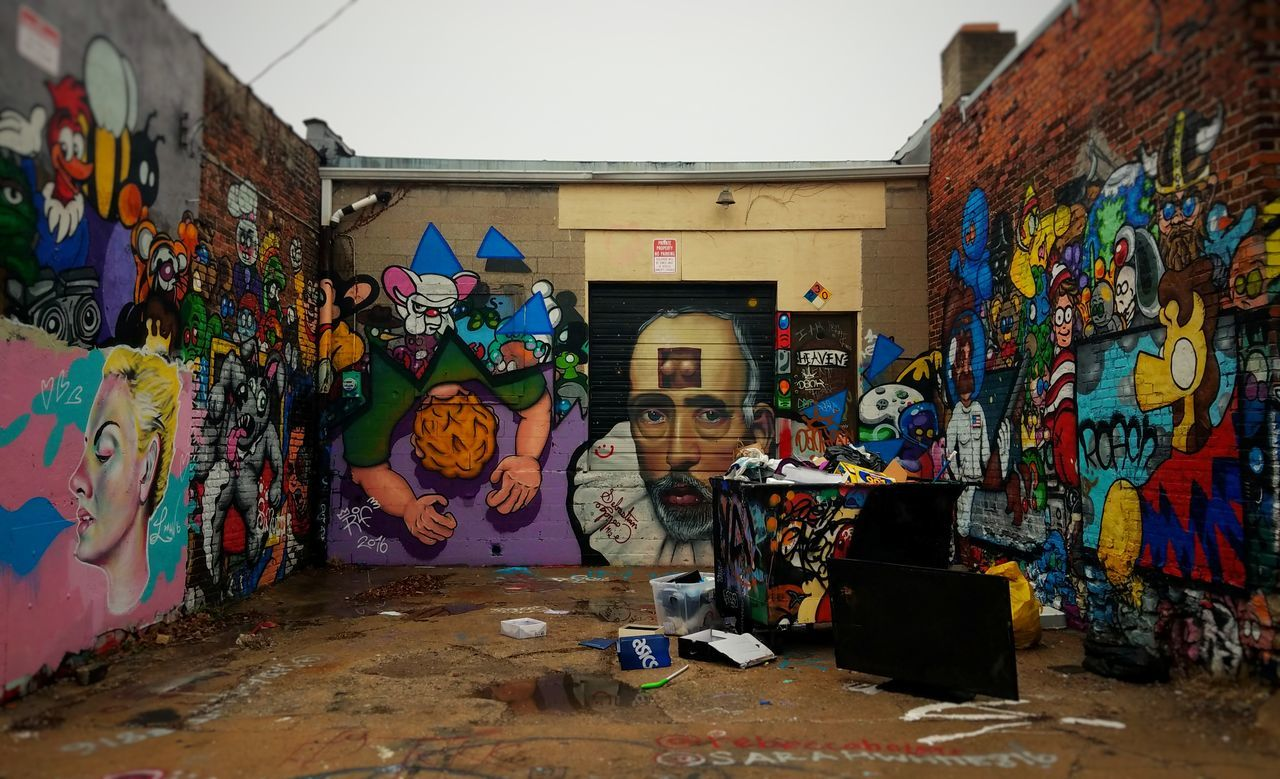 Graffiti Multi Colored Street Art Built Structure Day No People Spray Paint Architecture Missouri Kansas City Illuminated Crossroadskc Crossroads Architectural Detail Building Exterior Graffiti Street Art/Graffiti Streetphotography Street Art Photography Shakespeare