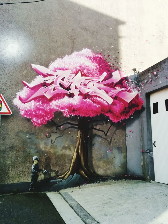Taking Photos Graffiti Graphics InTheStreet Bretagne Holidays ☀ Wonderful