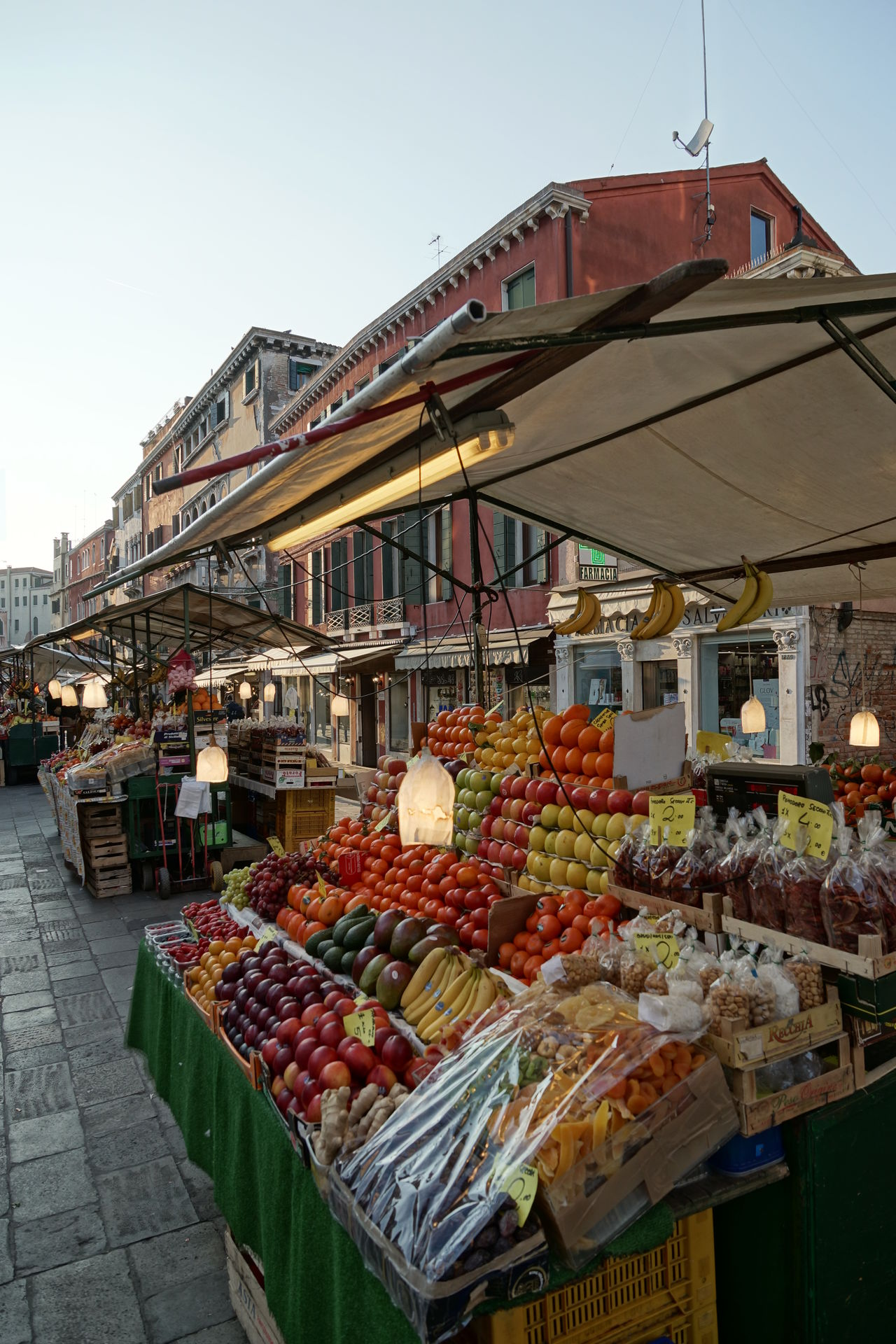 Market stall in Venice Ancient Architecture Cannaregio Dusk Dusk In The City Food Fruit Market Fruits Healthy Living Italy Lamp Lantern Market Stall No People Old City Pedestrian Pedestrian Area Sunny Sunny Day Tourism Tourism Destination Travel Location Twilight Twilight Hour Venetian Venice, Italy