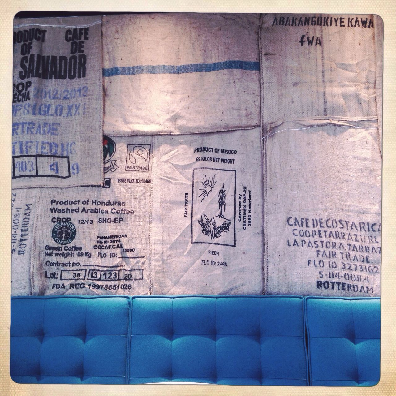 Starbucks Mompark Sofa Blue Interior Design Interior Urban Life Coffeeshop