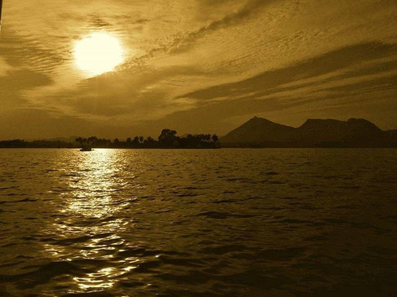 Keep it real. Fatehsagar Udaipur Sunsets