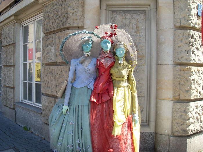 Berlin Ladies Of Fashion Manequins