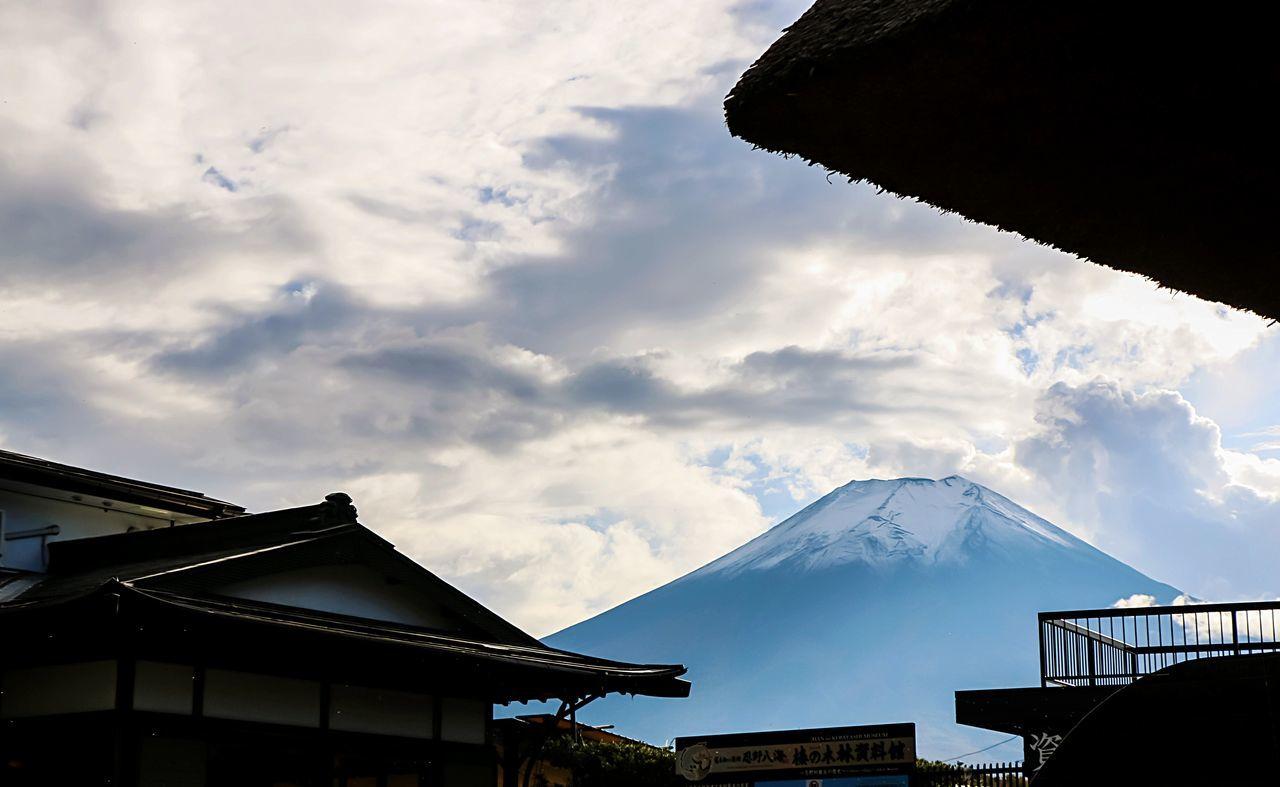 A Series Of Fuji Mountain's Picture -8 Mt.Fuji Autumn Fujimountain EyeEm Best Edits Fuji Mountain Beautiful Nature Eye Em Nature Lover Natural Beauty Snow Mountain Autumn Leaves
