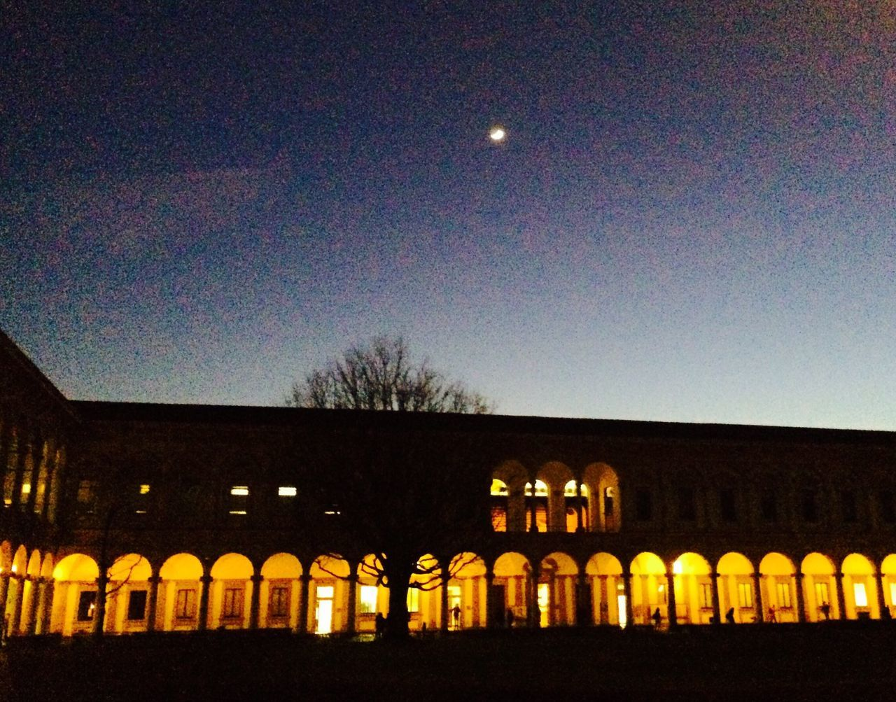 Milano Univeristy Night Moon