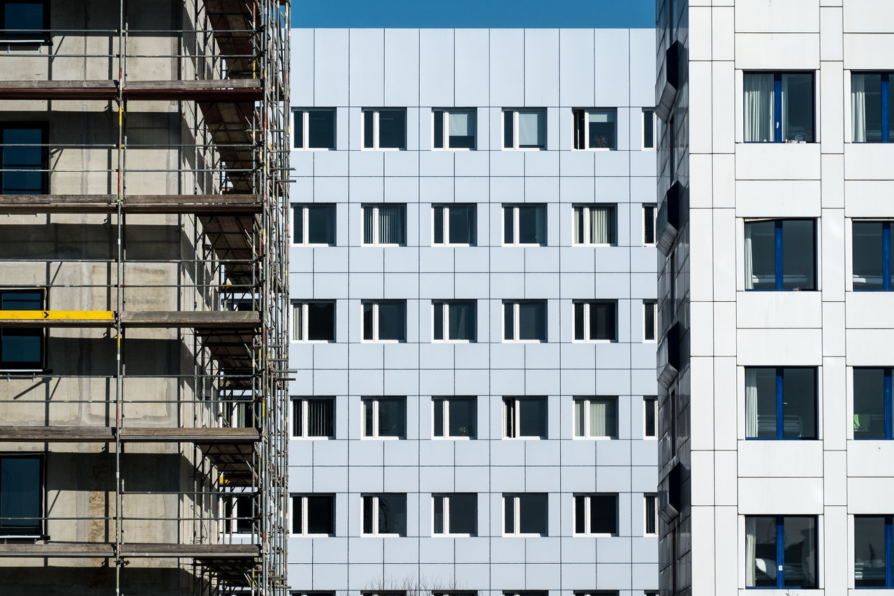 Underconstruction Apartment Architectural Detail Architectural Feature Architecture Architecture_collection Architecturelovers Backgrounds Berlin Photography Berliner Ansichten Building Exterior Building Story Built Structure City Façade Modern No People Outdoors Residential Building Urban Geometry Urbanphotography The Architect - 2017 EyeEm Awards
