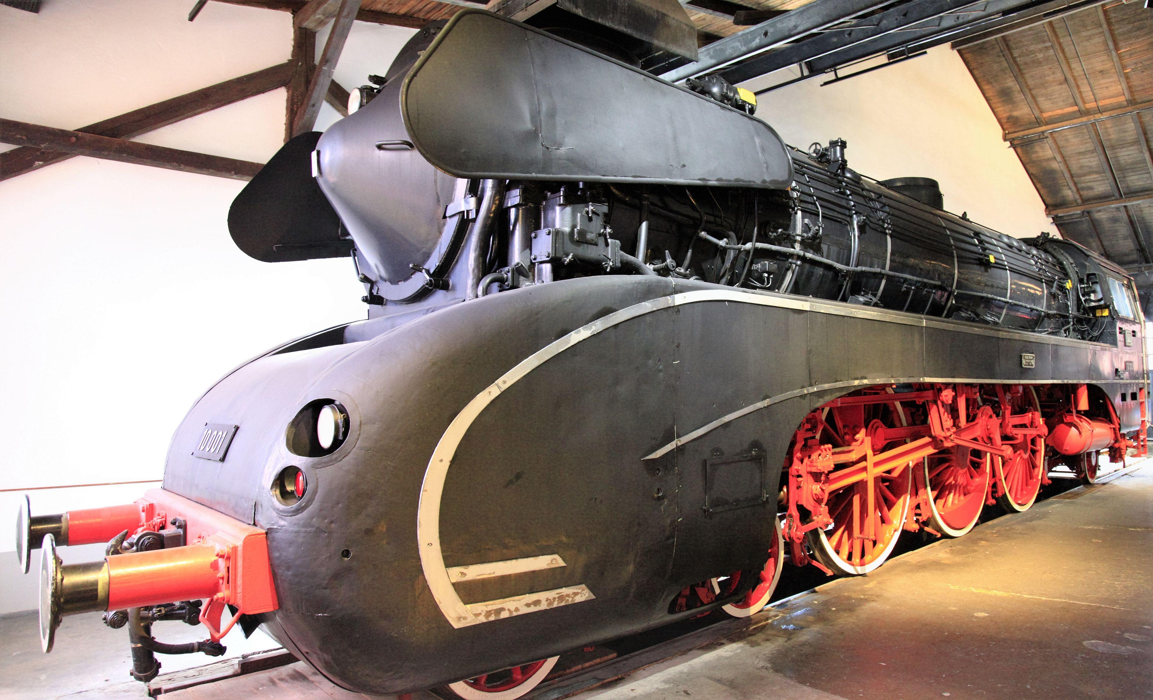 German Steam Engine Class 10 (4-6-2) 4-6-2 Class 109 DD Deutsches Dampflok Museum Engine G Locomotive Museum Neuenmarkt Pacific Ocean Steaks