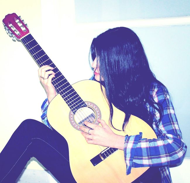 Guitar Girl Playing Music Playing The Guitar Sound Music Musician Musical Instruments