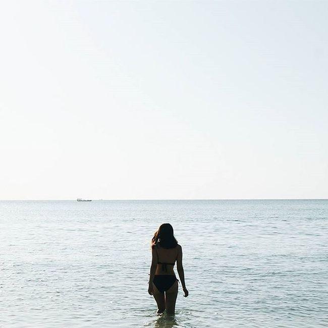 Azn Traveltheworld Travel Instatravel Picoftheday Wanderlust Worldplace Longbeach Kohrongisland Cambodia Pier Picoftheday Instamoment Instalike Vscocam Vscotravel Photoshot Sunshine Beachlife Instagood Instafollow