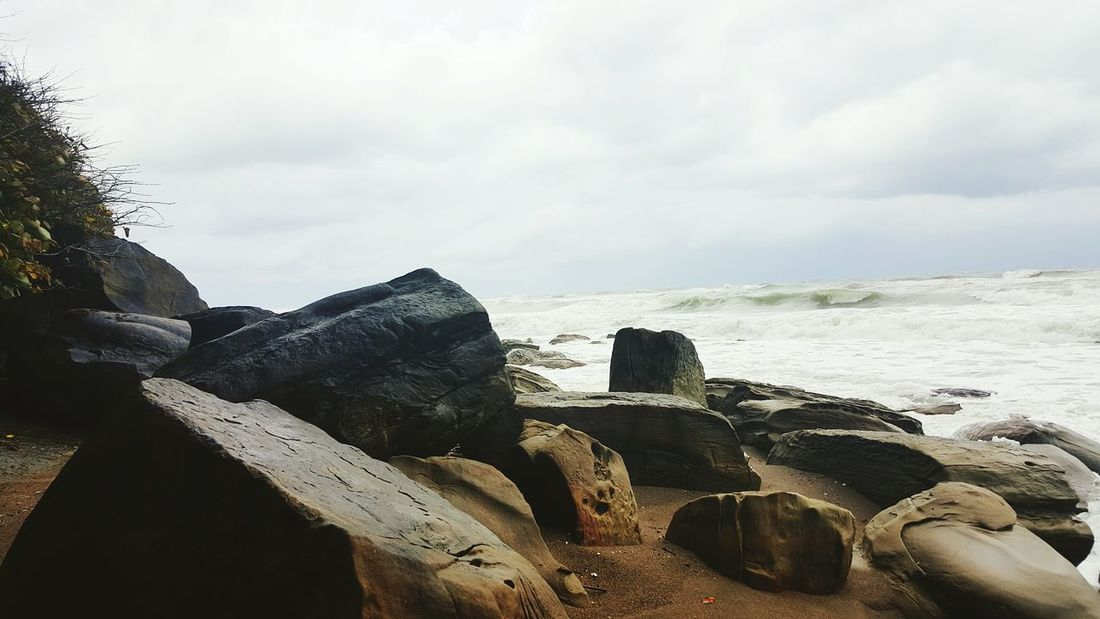 Waves And Rocks Rocks Relaxing Rock Sea Waves, Ocean, Nature Waves Sand Sand Sand & Sea Waves Wave EyeEm Best Shots EyeEm Nature Lover Nature_collection Nature Photography Nature Color Of Nature Beachphotography Beach Saklimedia Color Palette