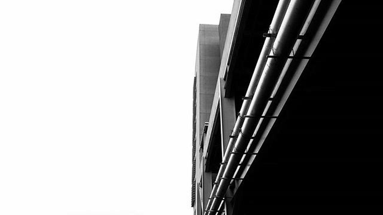 Serie: CieloEstructurado C.C Las trinitarias BQTO-VZLA . En esta serie mostraré la intervención de los edificios y estructuras en el cielo. . Que opinas? . . . Bqtodesdemilente Bqto Barquisimeto Venezuela FotoDelDia Igers Picoftheday Urban Arquitecturavenezolana2015 Arquitectura