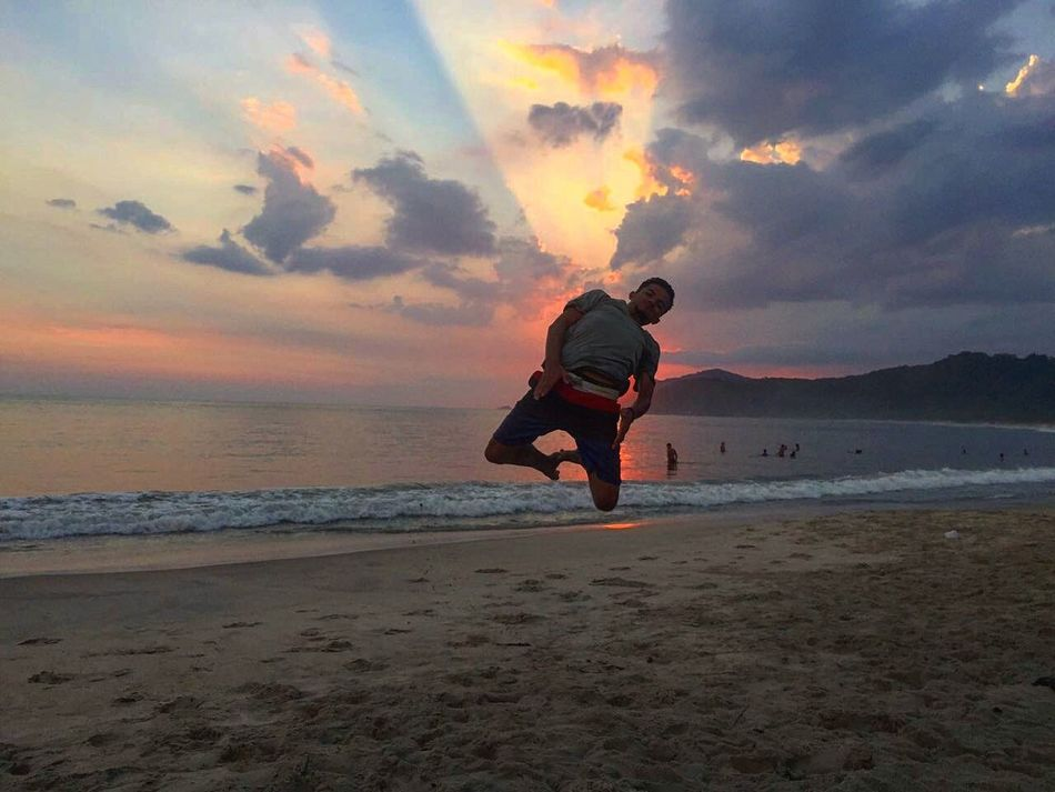 Sarrada Solar Sunset Full Length One Person Vacations Child Motion Beach One Boy Only Adventure Outdoors Children Only Nature Sky Sea Cloud - Sky People Childhood Day Beachphotography First Eyeem Photo Beauty In Nature Beach Life Beachlovers Sol Pordosol