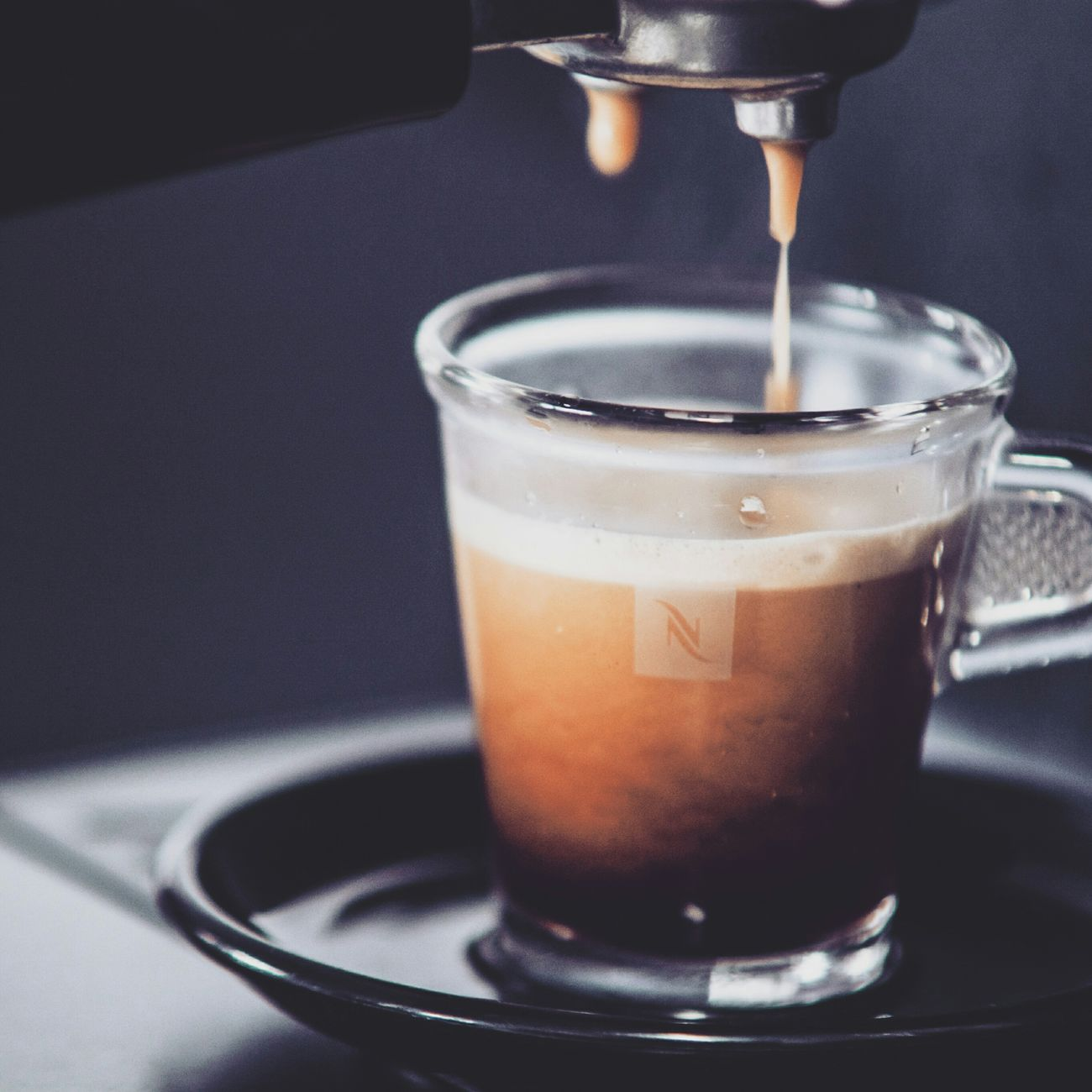 Um amor, um café. Quentes, por favor! Cafe Time Caffee Coffee Time Coffee Coffee ☕ Nespresso Nespresso Time Nespressomoments Nespresso... What Else…? Caffè