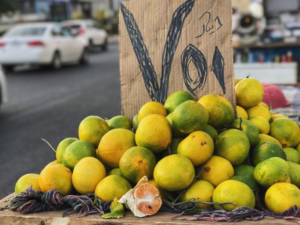 'Yellow oranges on a cart! Orange Yellow Tropical Juicy Exotic Shotoniphone7plus Portraitmode VSCO Vscocam Vscoedit Vscodaily Vscoonly Vscocamonly Dof Depthoffield Bokeh Blur Lensblur