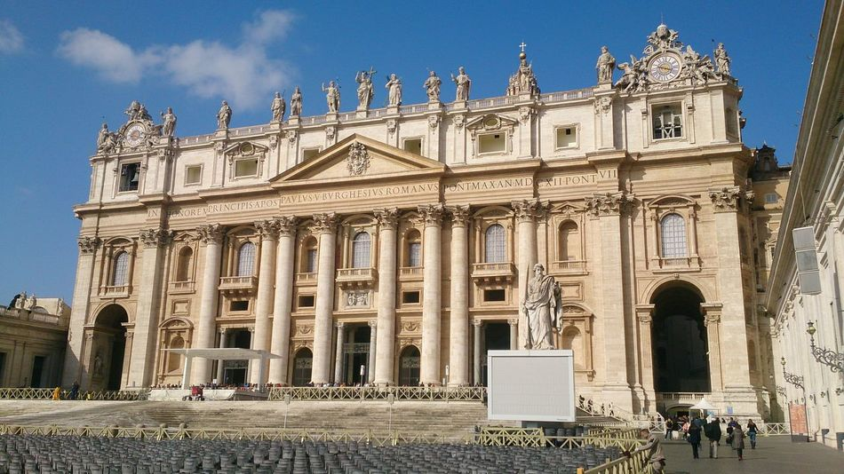 Architecture Built Structure Church Culture Famous Place In Front Of Itary Large Group Of People Sky St.Peters Basilica Tourism Travel Travel Destinations Vatican VaticanCity Vaticano