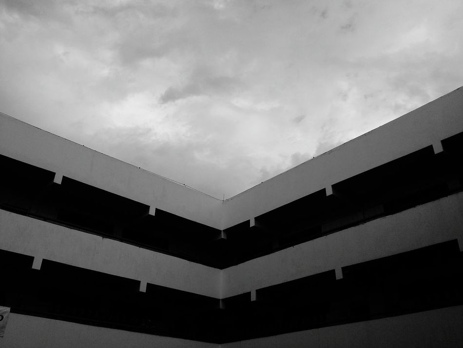 Low Angle View Cloud - Sky No People Sky Day Bwoftheday BW_photography Bws_worldwide Bwphotography Bwstyleoftheday Bw_collection Bw_lover Bwbeauty Brasiliangallery Brasilianphotographeinparis Brasilia Brasil DF Close-up Built Structure Angle Angles And Lines LINE Lines And Shapes Lines, Shapes And Curves Lines And Patterns Details Of My Life