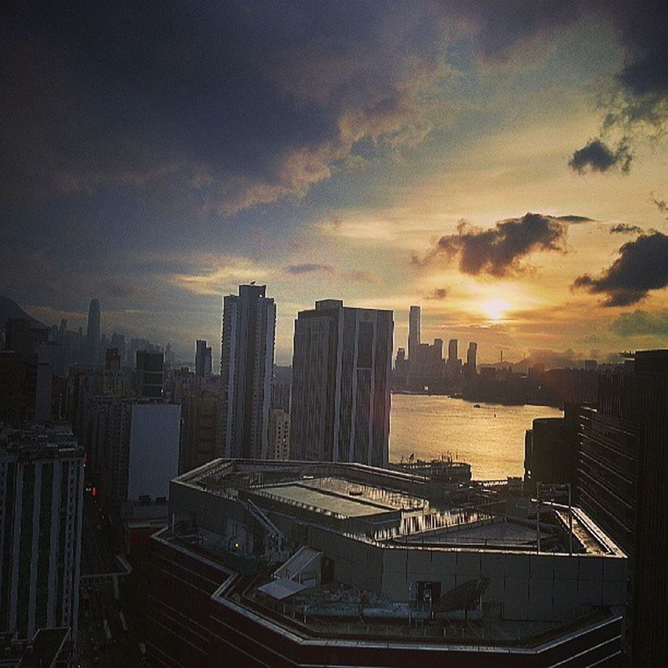 One more haha Goldenhour Hk