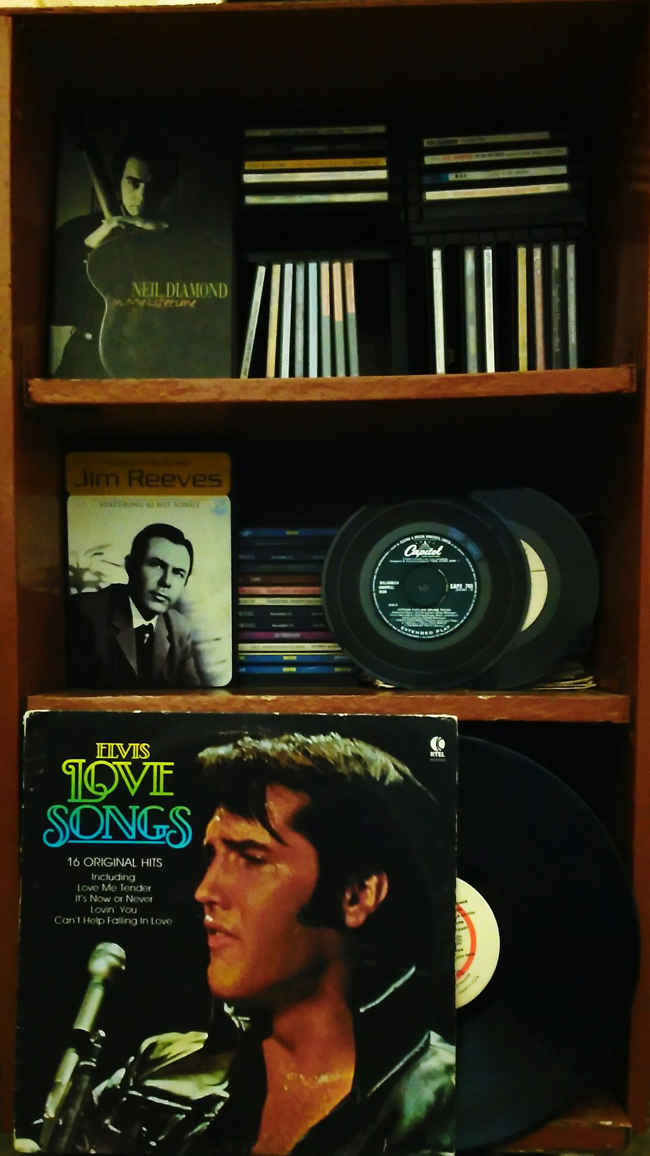 Song Shelf Elvis Neil Diamond Jim Reeves Old Friends Soul Music TakeoverMusic Sommergefühle