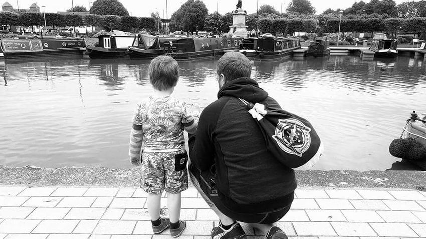 Fatherhood Moments People Black And White Photography Father&son Family Monochrome Photography MonochromePhotography