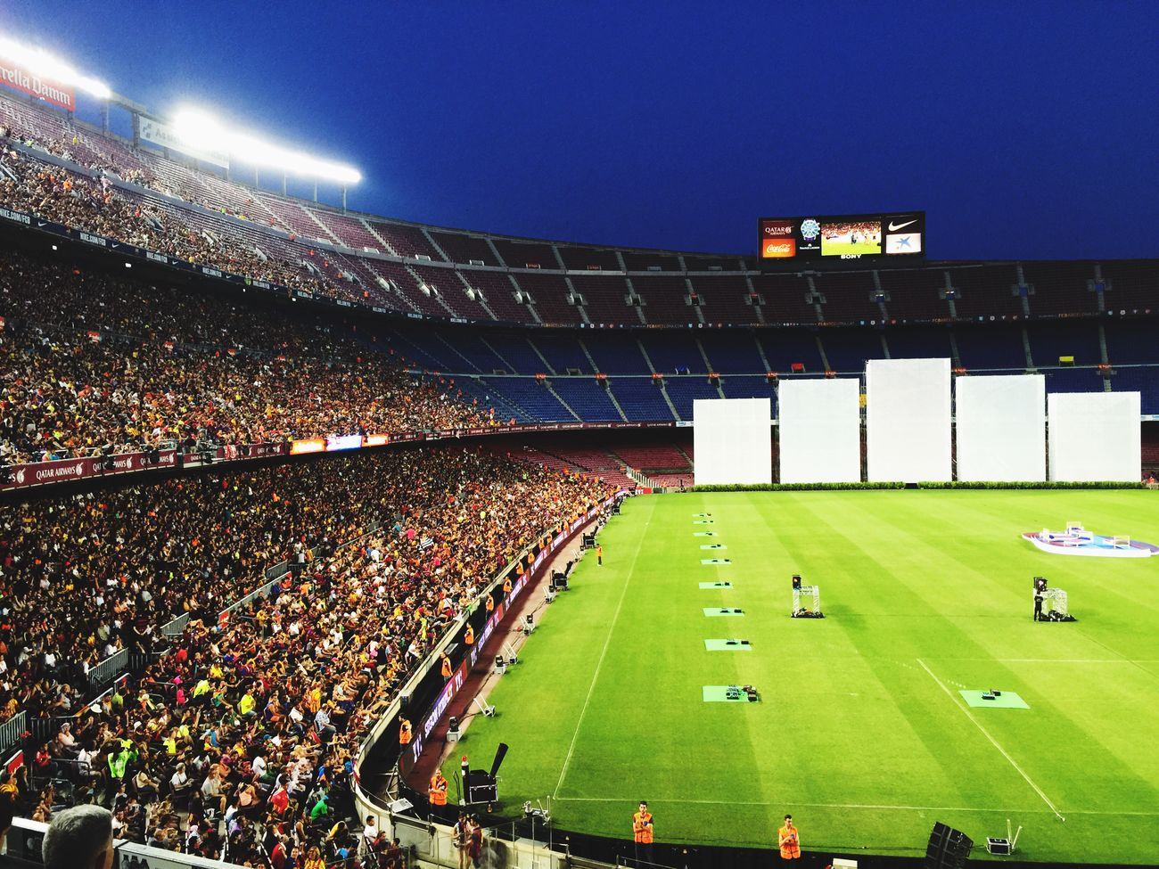 We are all ready! 👑👑👑 on TRIPL3T #fcblive @FCBarcelona