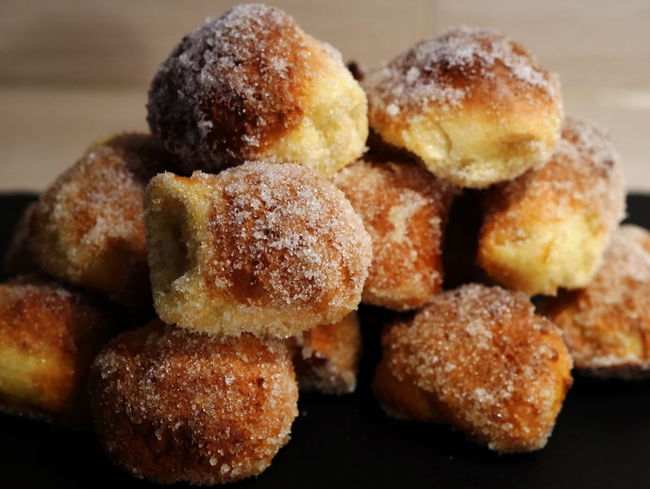 Quarkbällchen Silvester-Krapfen Baked Close-up Cookie Day Dessert Focus On Foreground Food Food And Drink Freshness Indoors  Indulgence No People Ready-to-eat Snack Still Life Sweet Food Temptation Unhealthy Eating