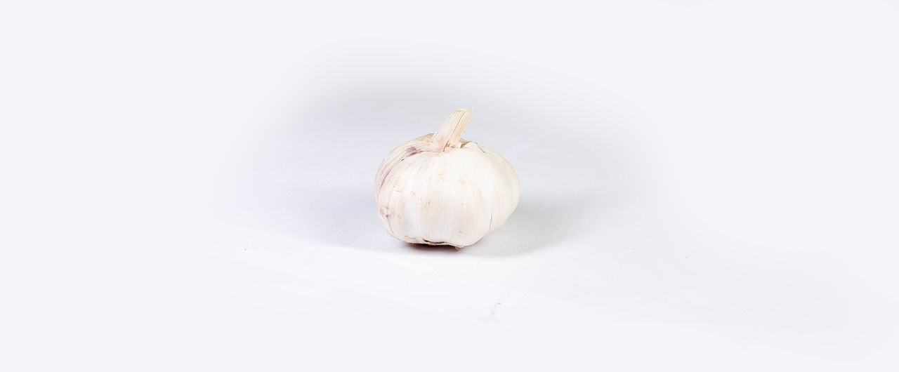 Close-up Food Food And Drink Freshness Garlic Bulb Garlic Clove Healthy Eating No People Studio Shot White Background