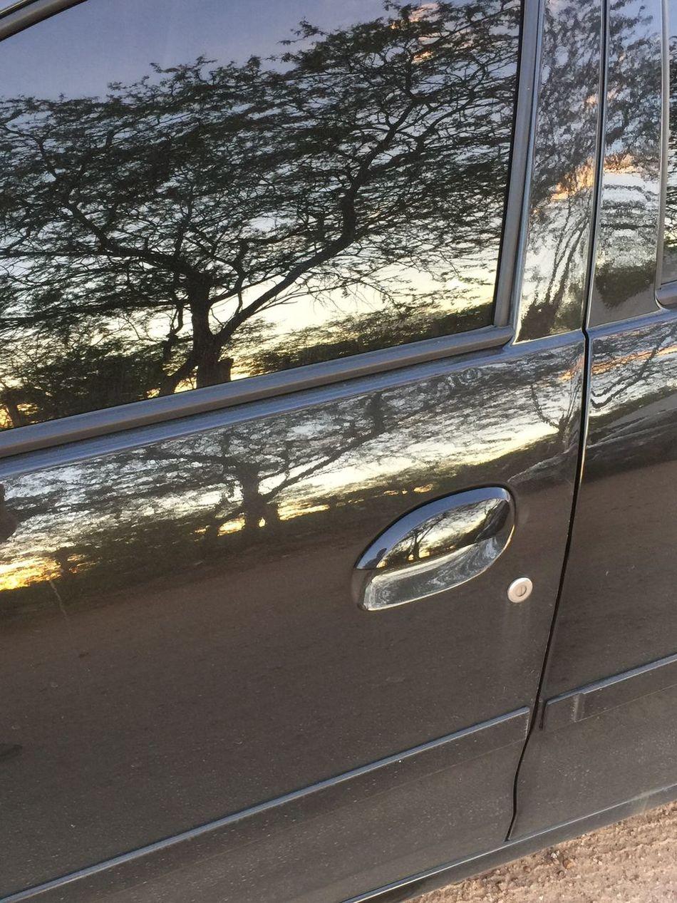 Um carro ou um espelho?? 21/04/2017 🚘A Car or a Mirror?? 04/21/2017 Car No People Nature Car Door Outdoors Reflection