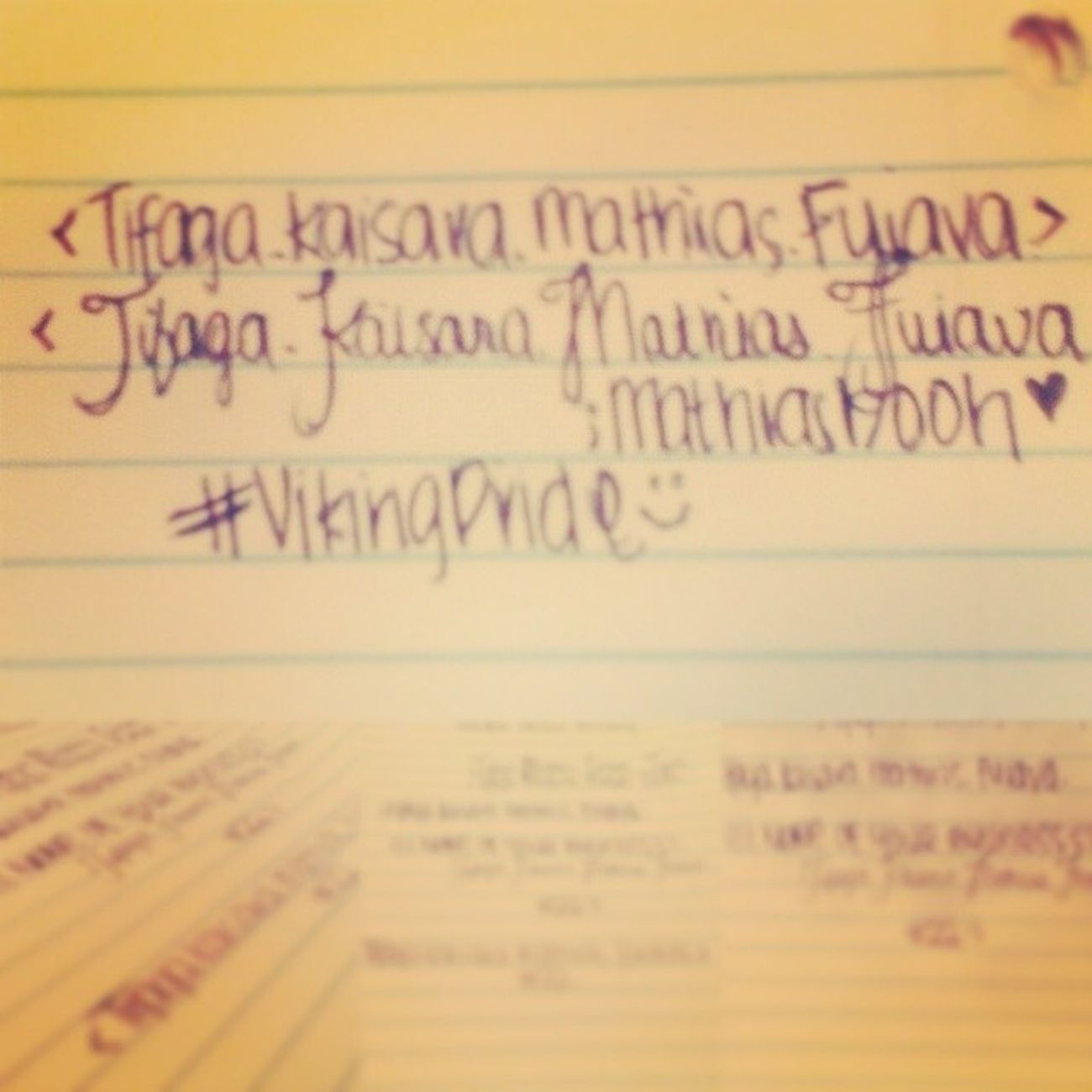 ;when I'm bored I start doing this in my classroom ^_^ Boredatschool