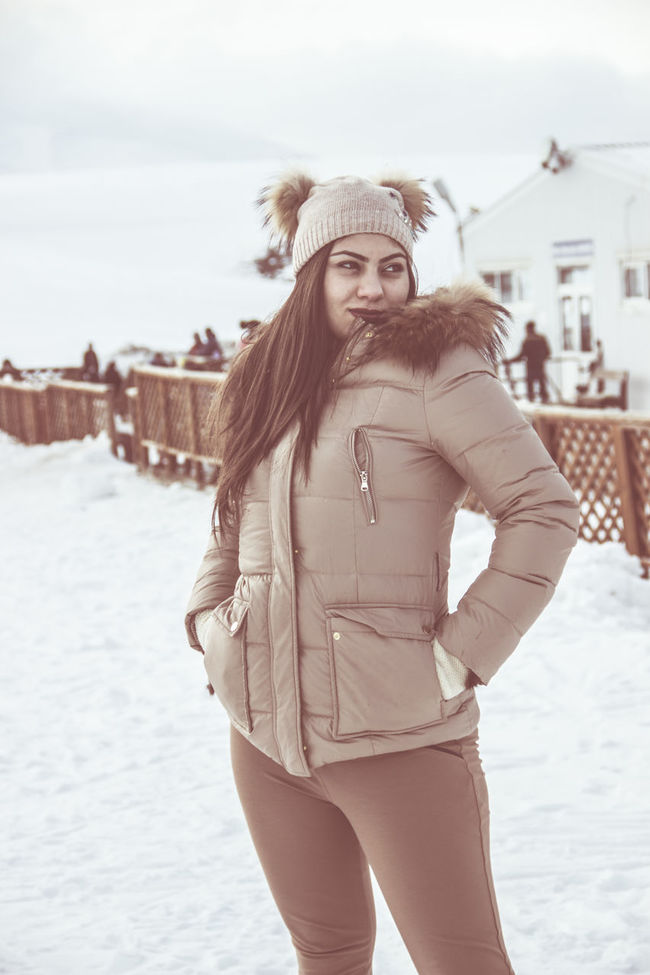 #snowball #snowbunny #snowday #snow #snowedin #snowfall #Snowflake #snowflakes #snowing #snowstorm #snowwhite #snowy Casual Clothing Day Focus On Foreground Leisure Activity Lifestyles Outdoors Portrait Season  Sky Standing Warm Clothing Weather
