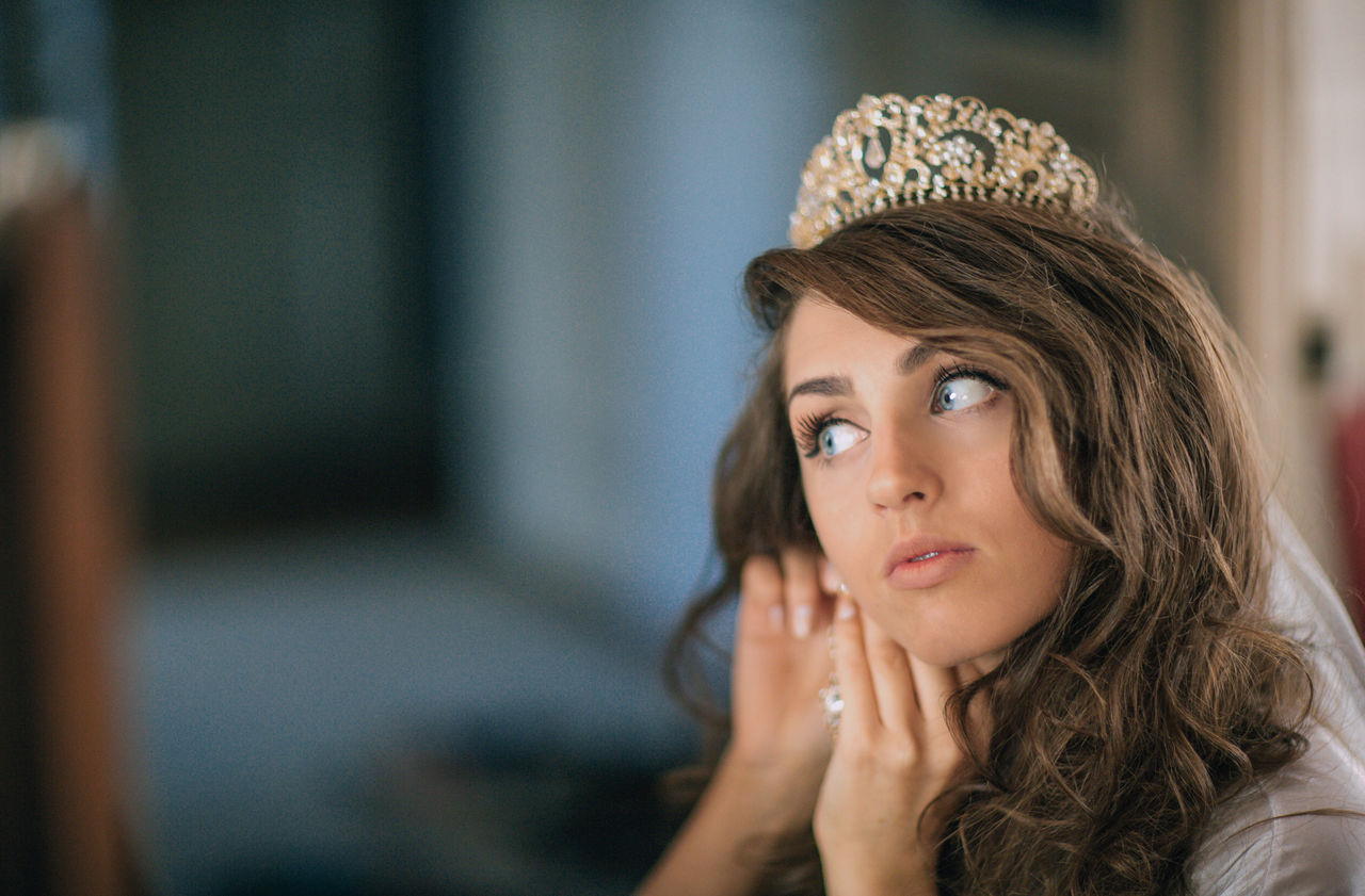 Beautiful stock photos of crowns,  20-24 Years,  Adjusting,  Adult,  Adults Only
