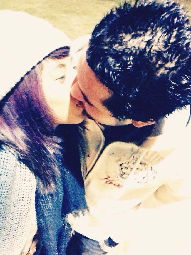Kiss Kiss Love Enjoying Life Great Day!