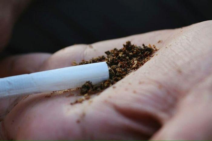 Backintheday Badhabits Weed Cigrettes Smoking Dark Palms Macro Throwback Wiz Khalifa