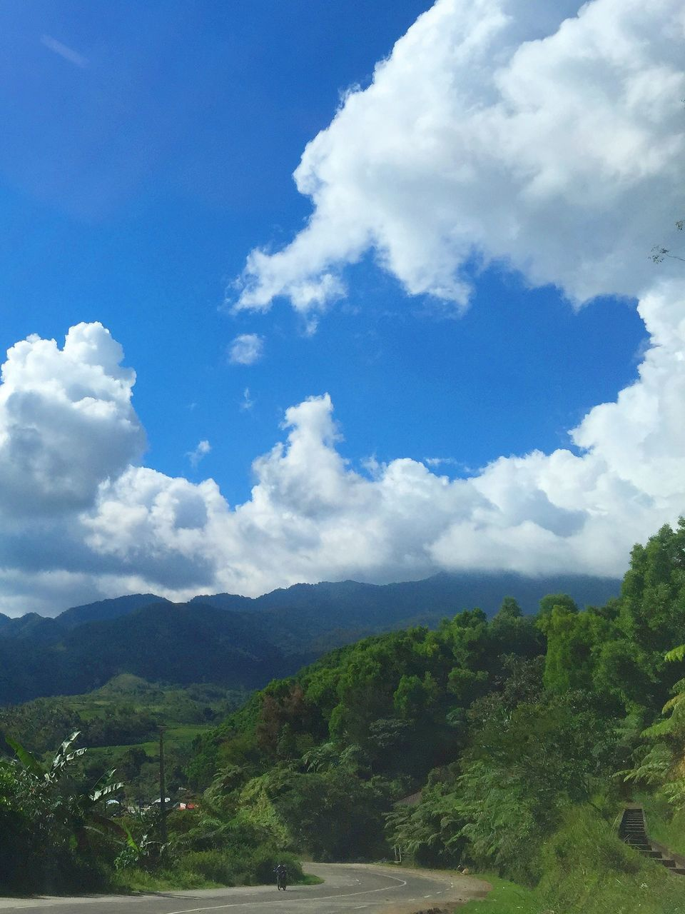 sky, cloud - sky, day, beauty in nature, no people, nature, mountain, outdoors, scenics, landscape, tranquility, tree