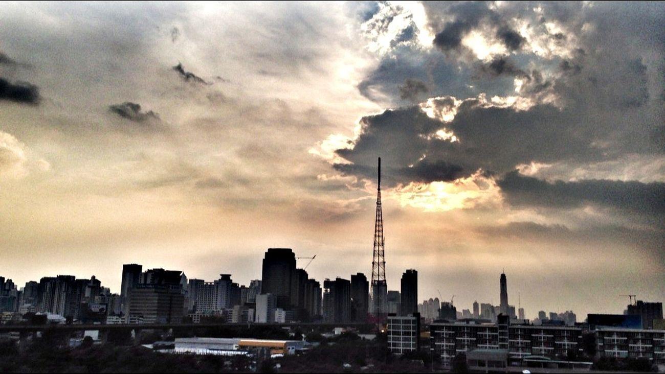 Sunset Sky Enjoying The Sun Thailand_allshots