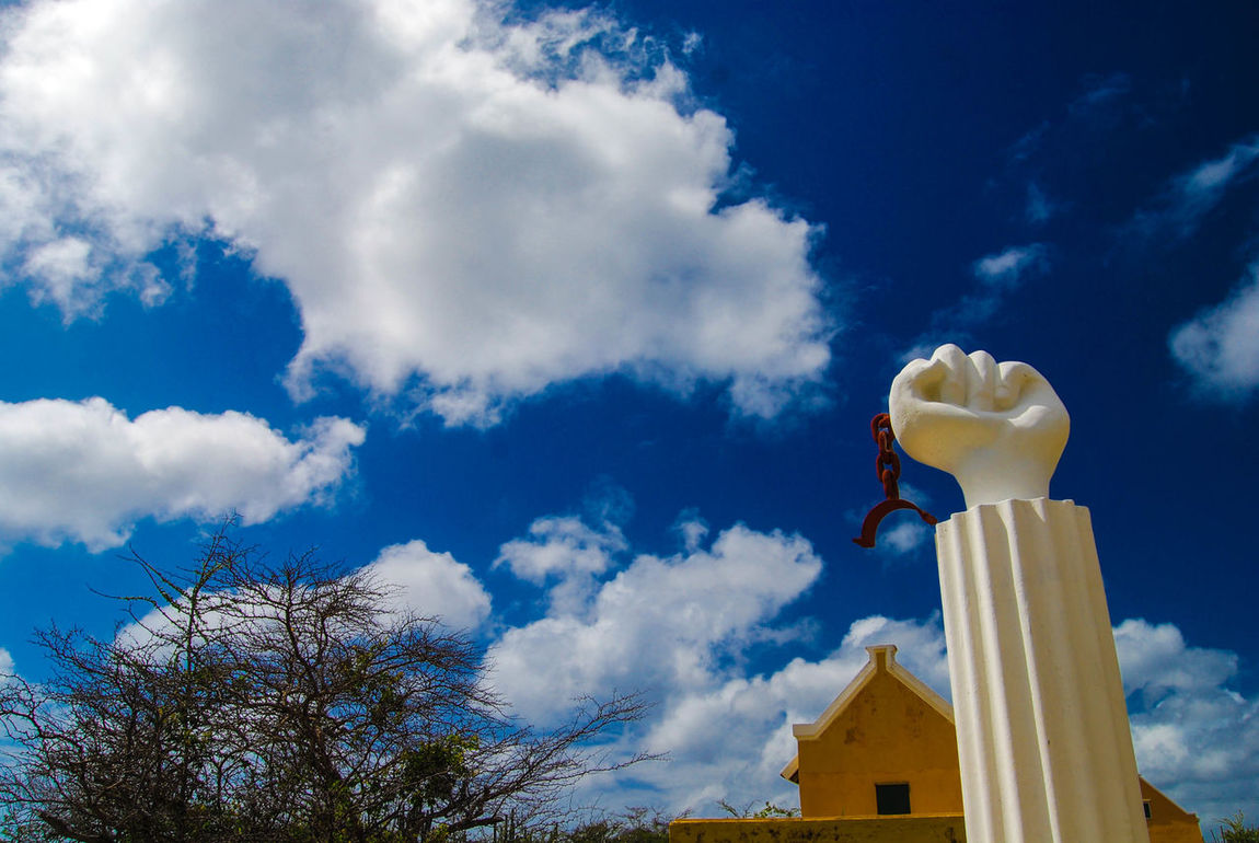 The freedom statue in curaçao. It was build because at this place the Slaves started a revold. Blue Sky Taking Photos Holiday Nature Plants 🌱 Nikon D40x Relaxing Tropical Climate