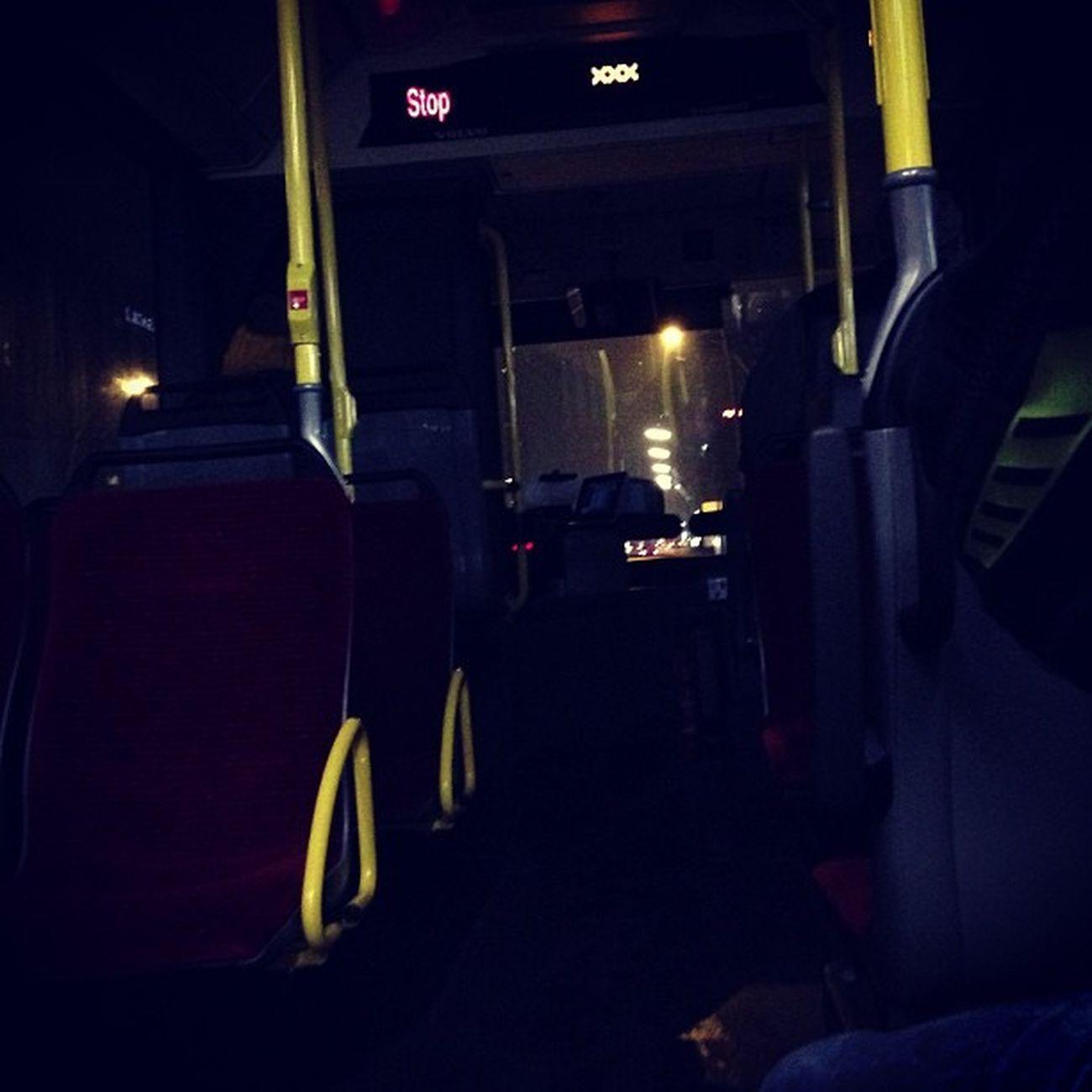 XXX Bus. Wieso liegt hier eigentlich Stroh?