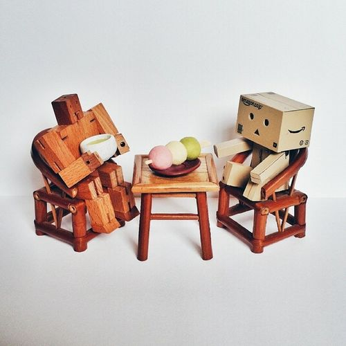 Cubebot and Danbo enjoying an afternoon Ocha and Dango . vsco vscocam ex2f snapseed areaware japanese toysdoinghumanthings