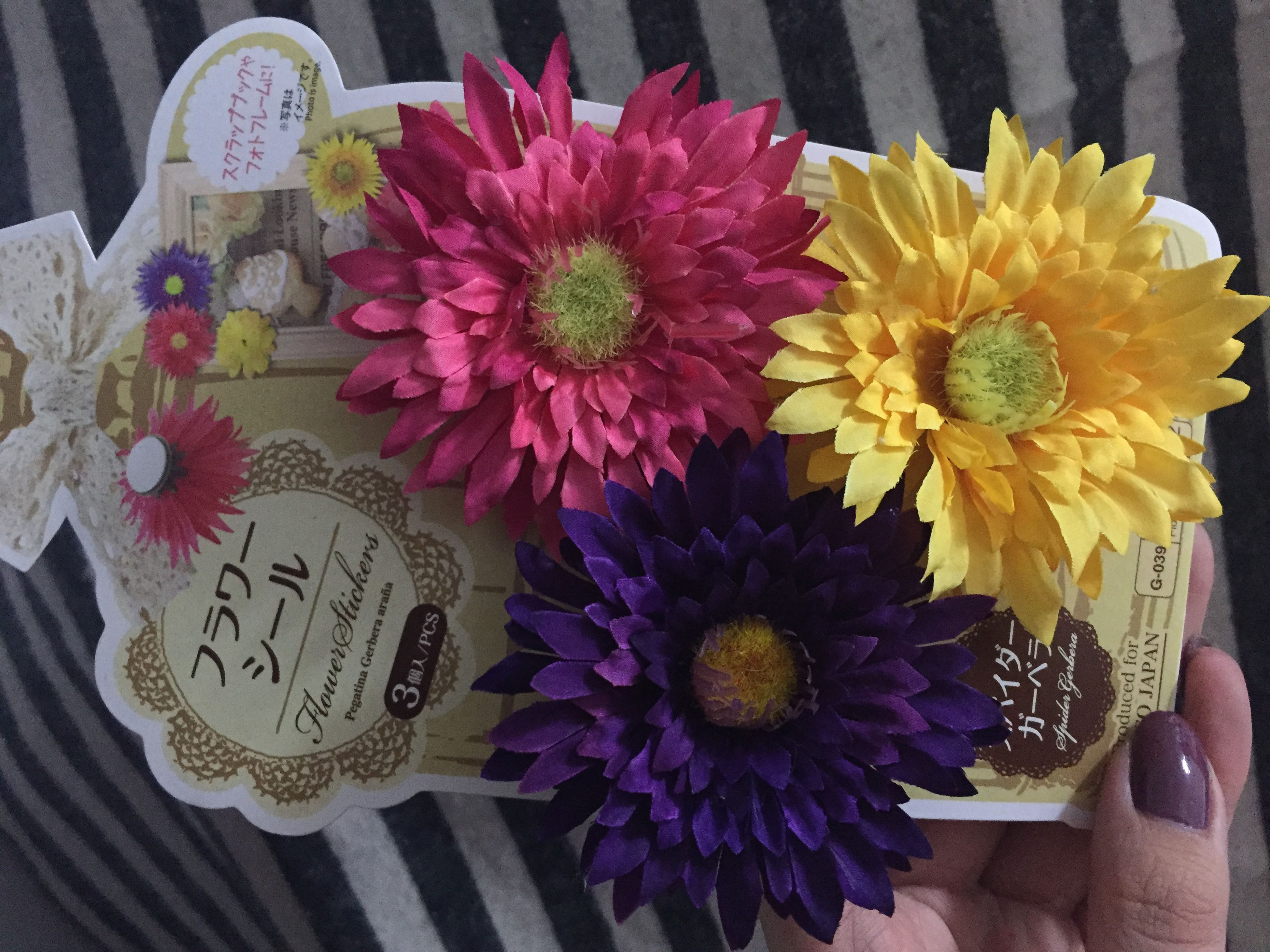 flower, freshness, indoors, petal, flower head, table, high angle view, close-up, still life, fragility, yellow, vase, multi colored, text, bouquet, variation, decoration, no people, flower arrangement, beauty in nature