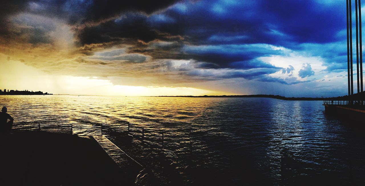 Real Sea Sunset Beauty In Nature Water Sky Nature Horizon Over Water IPhone7Plus IPhoneography Iphone7+ Subhan'Allah Rainandclear Weather Tornado Funtimes Bodensee Panorama