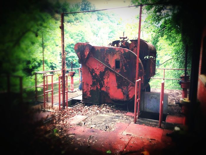 No People Day Tree Nature Outdoors Abandoned Abandoned Places Machinery Ols Machinery Broken Down