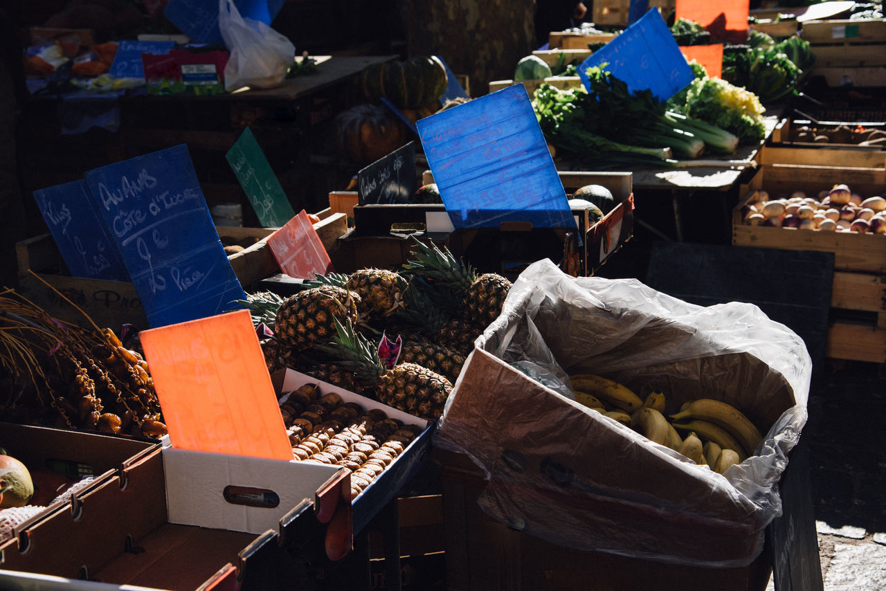 Choice Colors Day Displayed Food For Sale Freshness Fruit Fruits Market Market Stall No People Outdoors Price Price Tag Retail  Variation Vegetable Vegetables Twilight