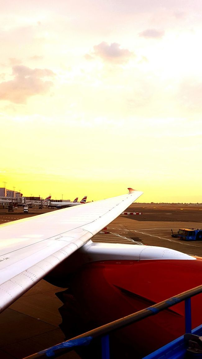 Heathrow Airport Landing Plane Early Morning Sunrise Virgin Atlantic Johannesburg Beautiful Morning