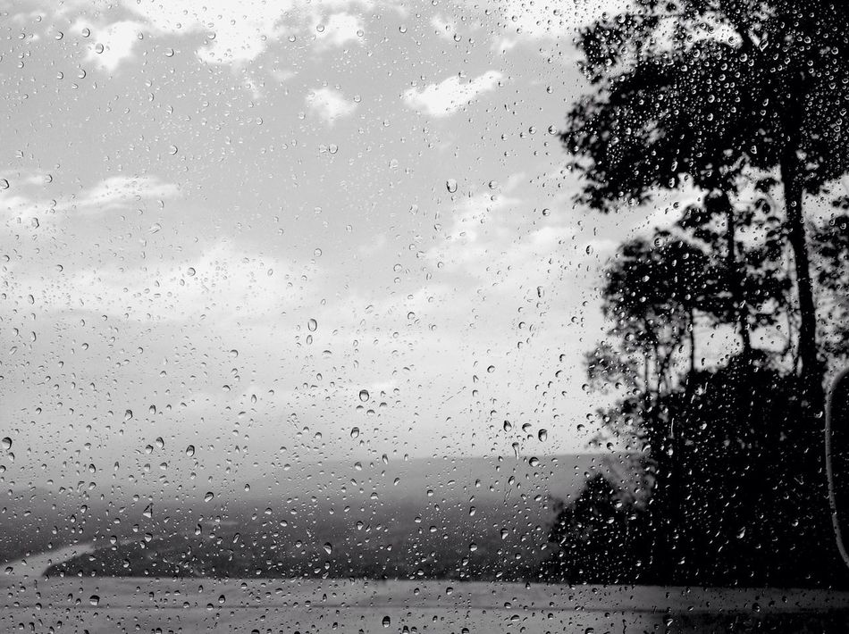 The (null)Rain Alone Alone Time Photo Bedtime Blackandwhite Hellothailand Nongkhai 💦💦