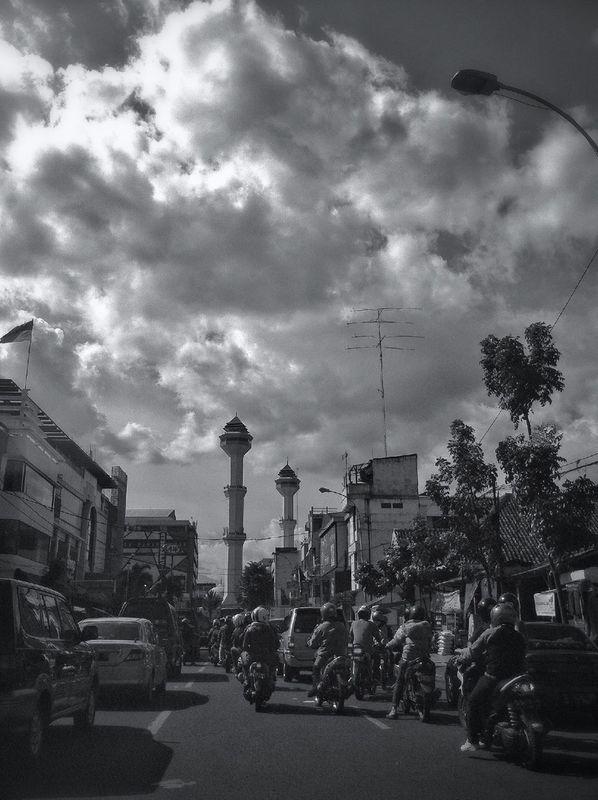 streetphotography blackandwhite INDONESIA cloudporn skyporn Bandung GangPolos by IwanYulianto