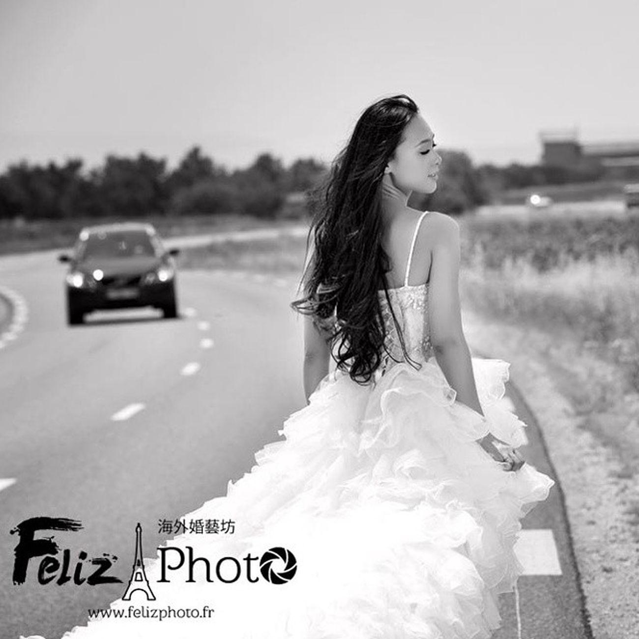 www.felizphoto.fr 也许你喜欢这样的风格.也许你希望留下这样的回忆.......那么我在巴黎等你...... Maybe you like this style..... so I'm waiting for you in Paris...... CL Bottegaveneta Burberry Chanel CELINECHLOEDIORFENDIRVGIVENCHYHERMESMIUMIUPRADAshowstreetshotphotographymenoryweddingFashion日记秀时尚摄影回忆记忆街拍婚礼巴黎