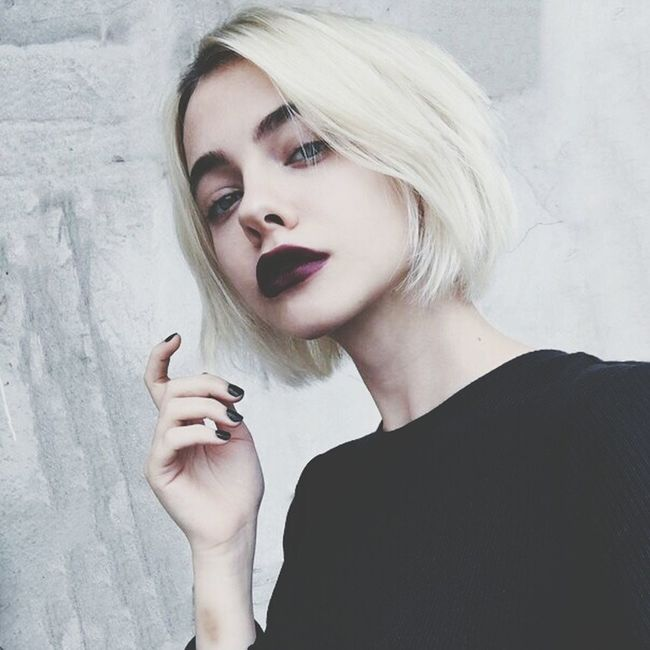 Relaxing Selfie ✌ Ideal Pretty♡ Fashion Black Look Makeup