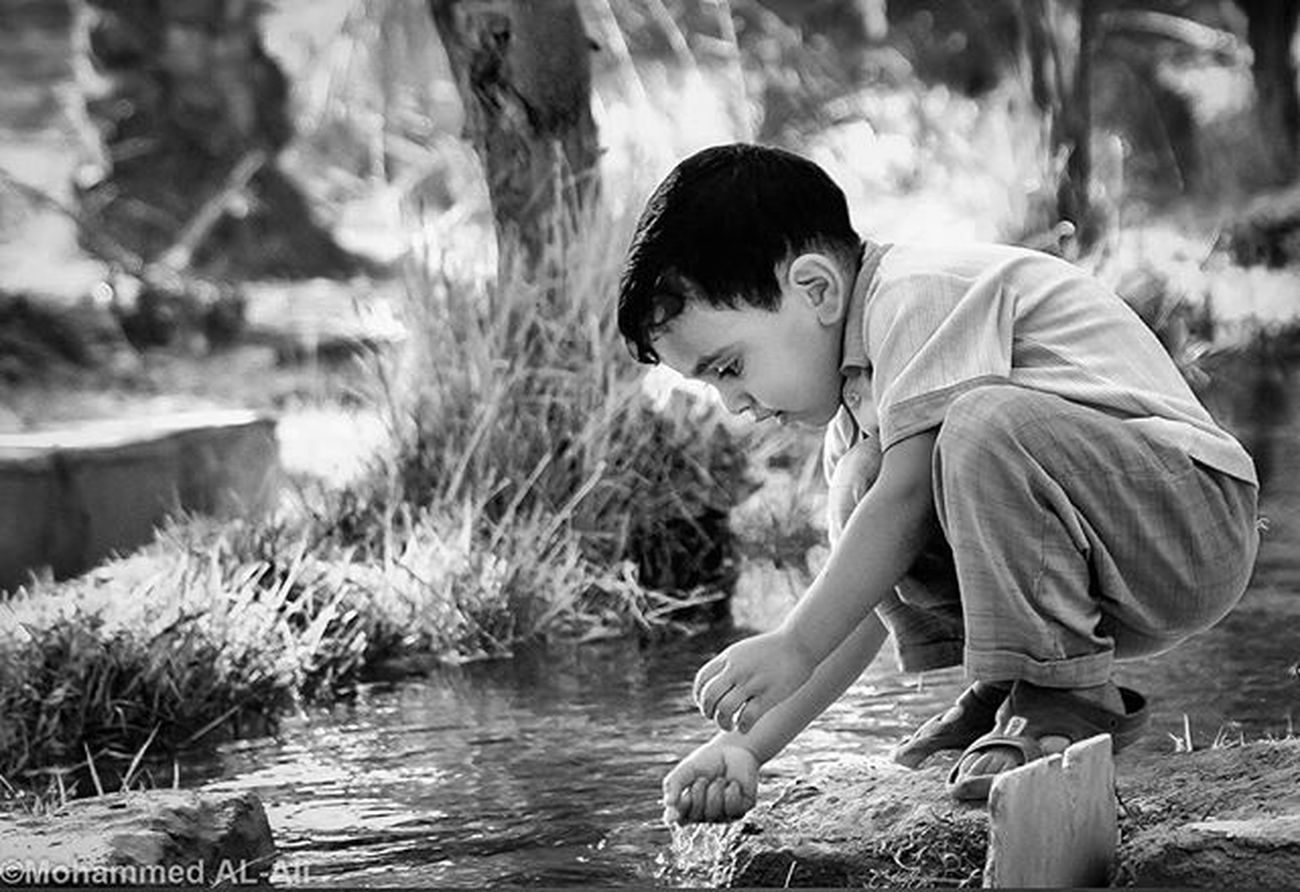 Canon 350D Blackandwhite Monochrome Child Kid Water Irrigation Canal Basrah Shattalarab Iraq