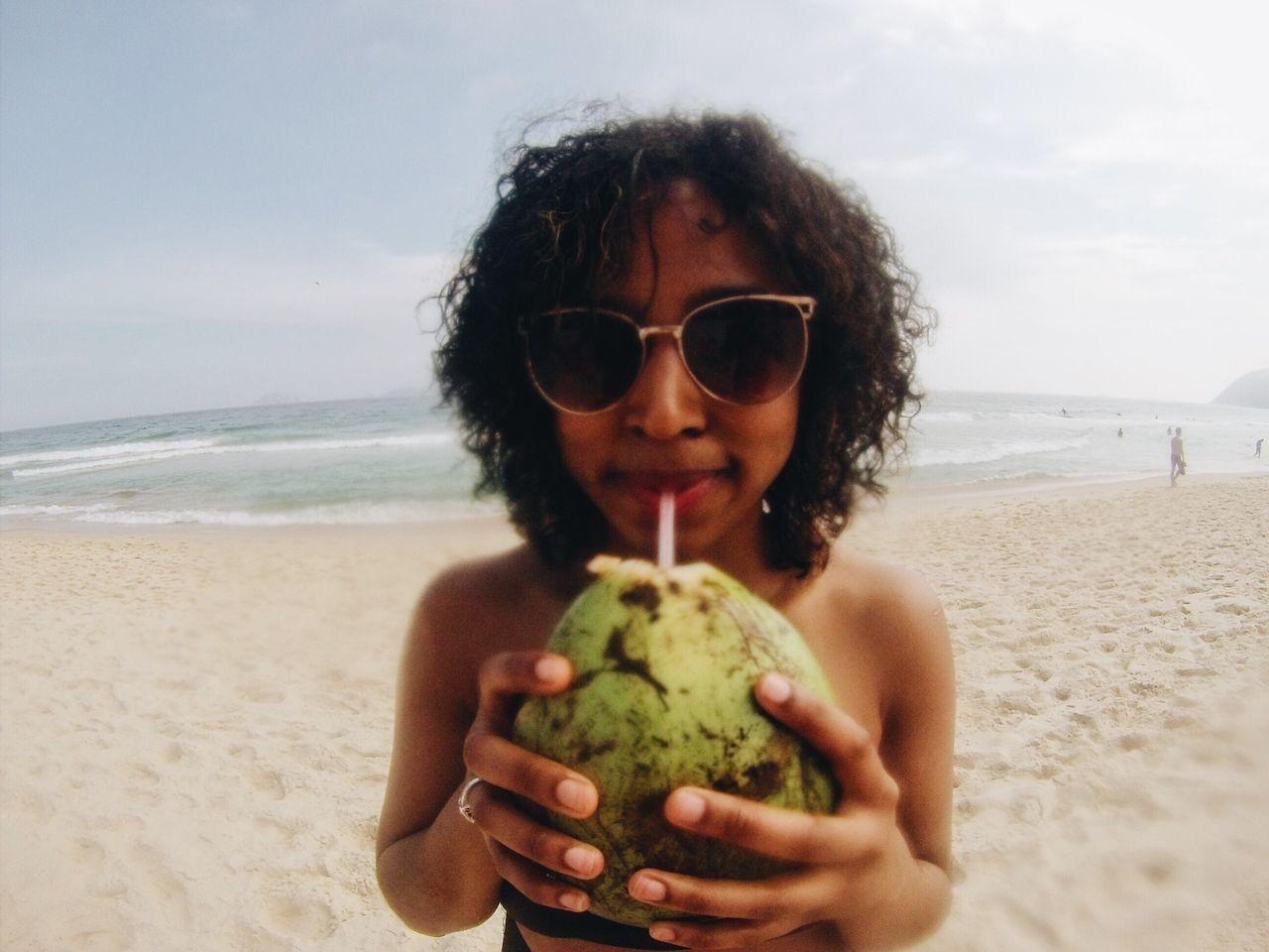 vida de praia 😎 Rio De Janeiro Ipanema Beach Coconut Beach Life
