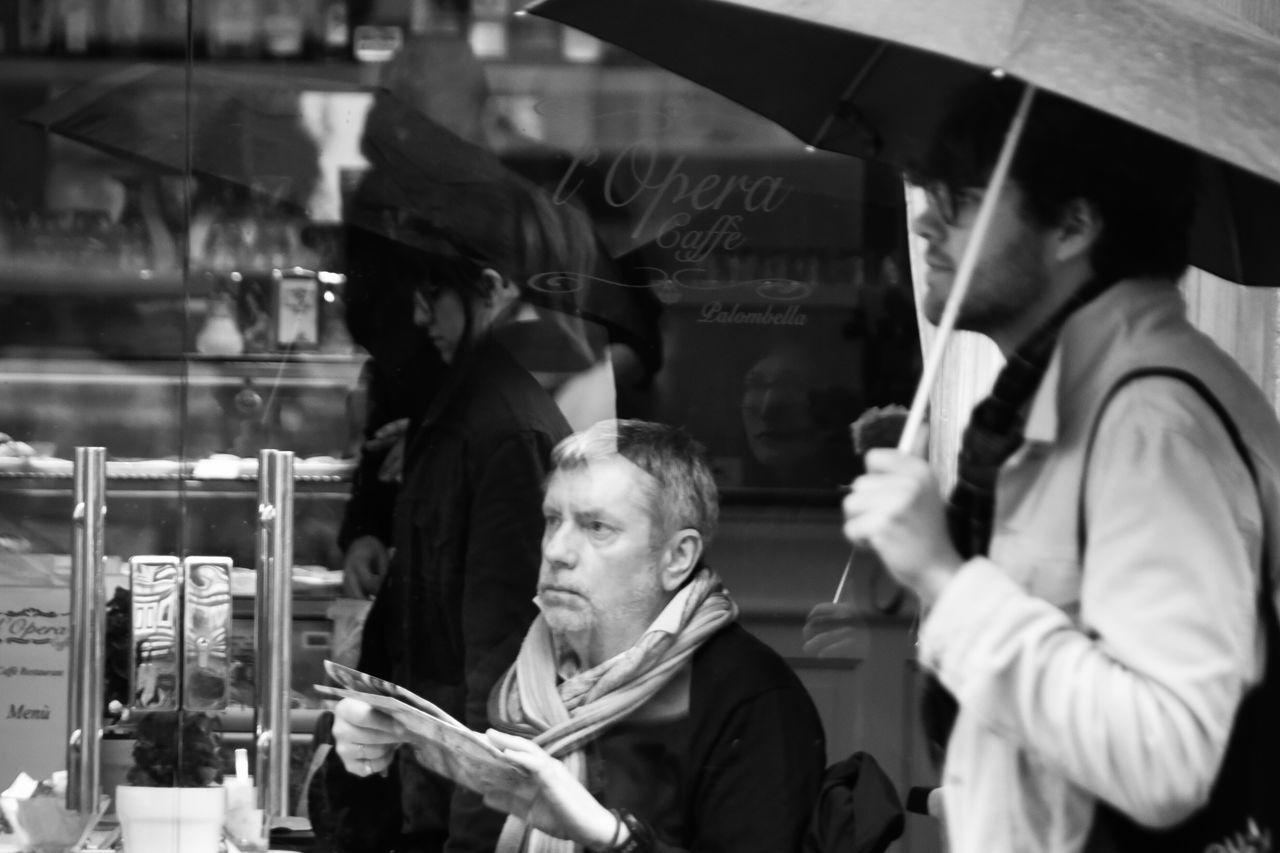 Urban Exploration Streetphoto_bw Streetphotography Black & White Photography Black And White Street Photography Blackandwhite Photography Real People People Of EyeEm People City