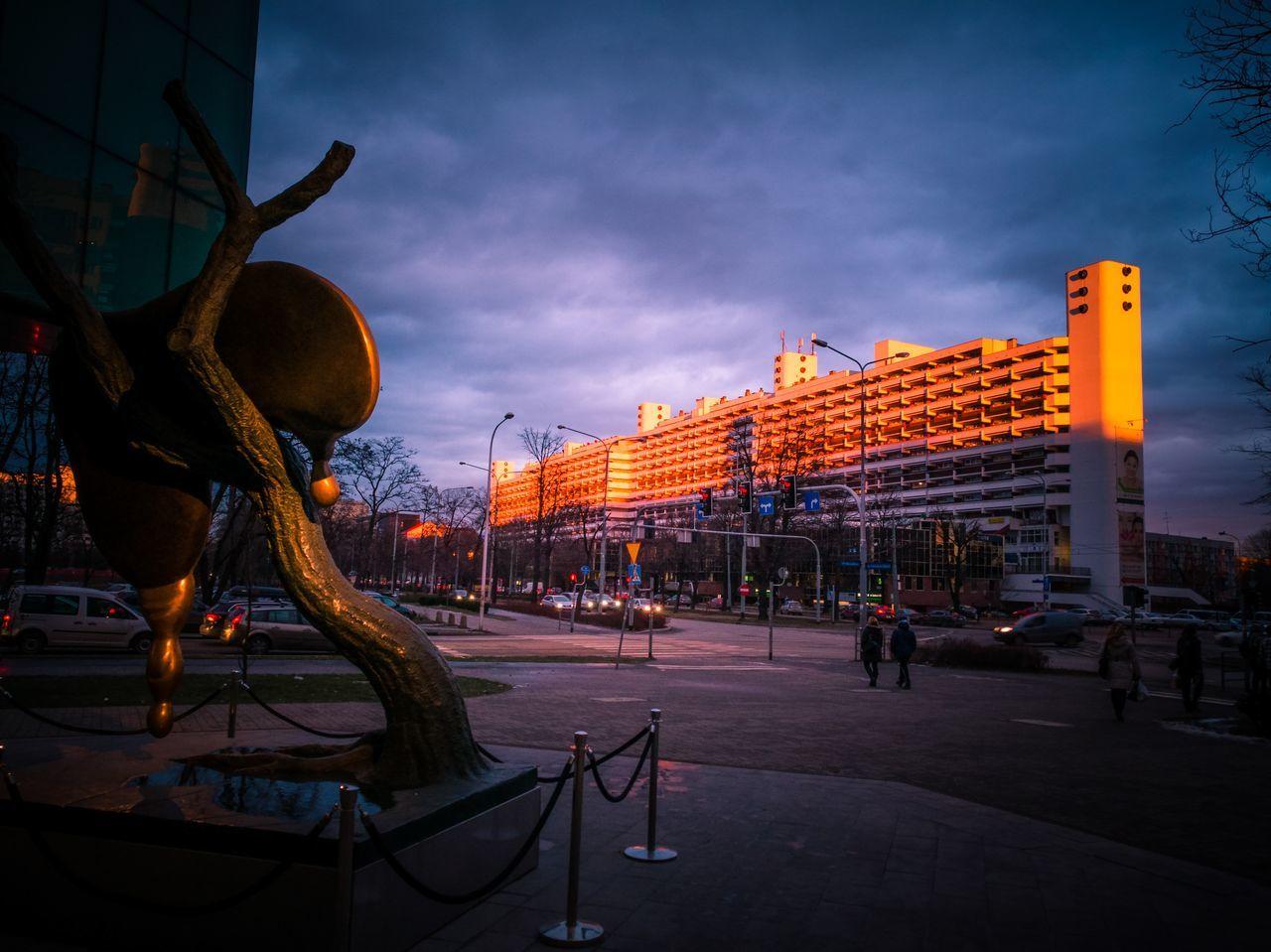 Www.tomaszkucharski.com.pl City Sky Cityscape Cloud - Sky Architecture Wroclaw, Poland SkyTower Salvador Dali HuaweiP9 Polishphotographer Breslau Titanic Ship