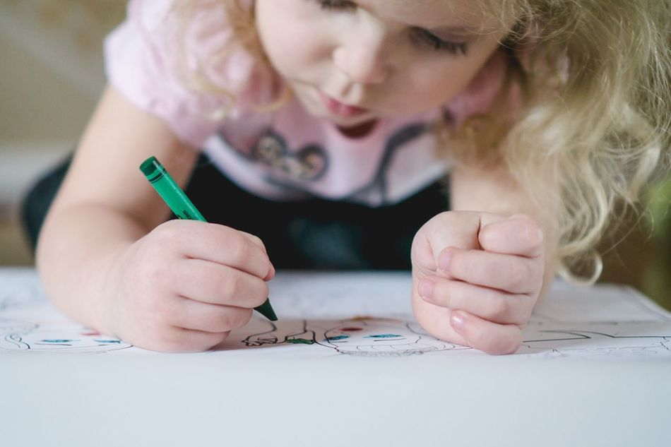 Beautiful stock photos of drawings,  4-5 Years,  Blond Hair,  Childhood,  Coloring